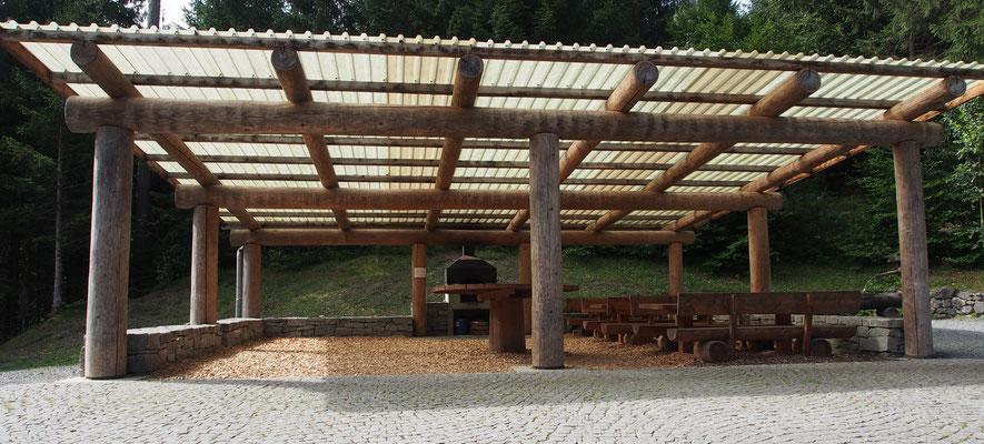 Grillplatz der Waldhütte Bonaduz