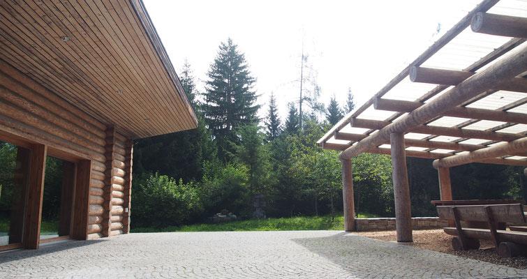 Waldhütte und Grillplatz der Gemeinde Bonaduz
