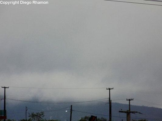 Nuvens orográficas vistas em Campina Grande, Paraíba, em 12/09/2014.