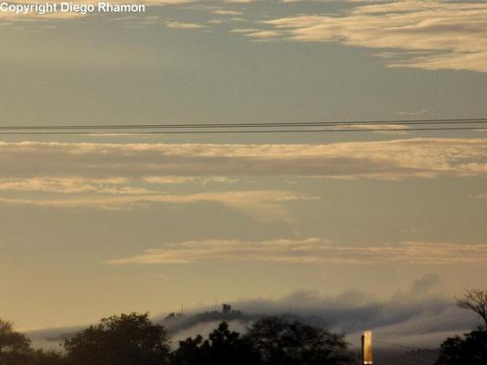 Nuvens orográficas vistas em Campina Grande, Paraíba, em 15/12/2014.