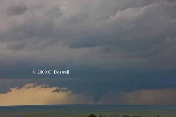 Tornado incompleto visto em 05/06/2009. Foto de C. Doswell.