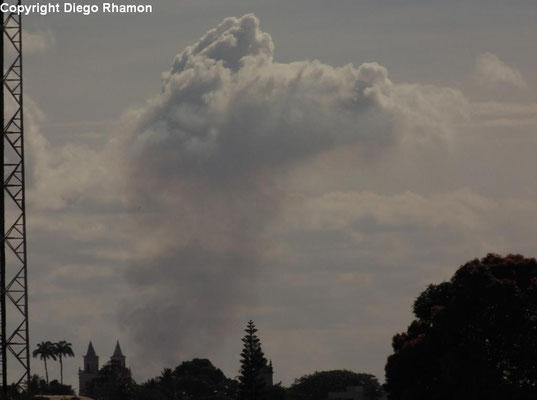 Pyrocumulus vista em João Pessoa, Paraíba, em 01/03/2014.