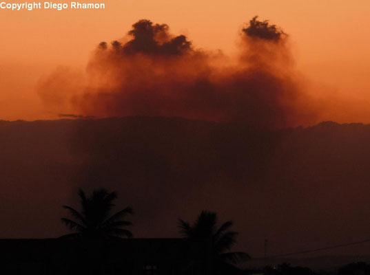 Pyrocumulus vistas em João Pessoa, Paraíba, em 06/03/2014.