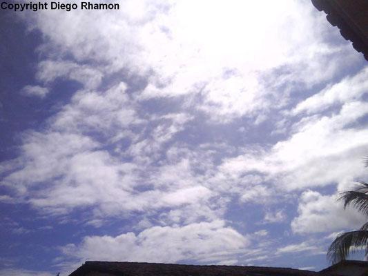 Stratocumulus translucidus vistas em João Pessoa, Paraíba, em 26/04/2009.