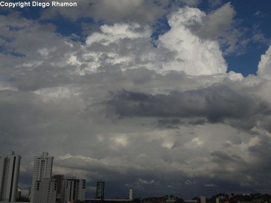 Cumulonimbus praecipitatio vista em Campina Grande, Paraíba, em 12/03/2014.