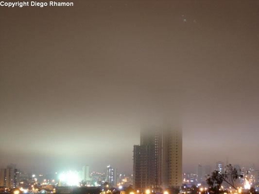 Nevoeiro visto em Campina Grande, Paraíba, em 27/05/2014.