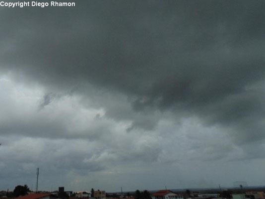 Cumulus fractus vistas em João Pessoa, Paraíba, em 30/01/2014.