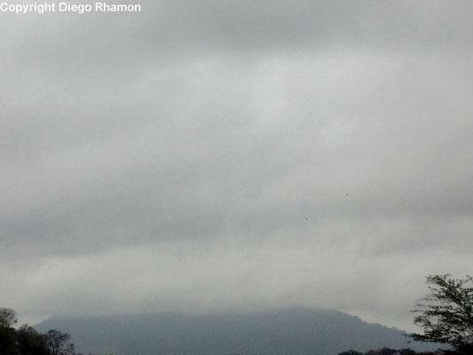 Nuvens orográficas vistas em Campina Grande, Paraíba, em 20/11/2014.