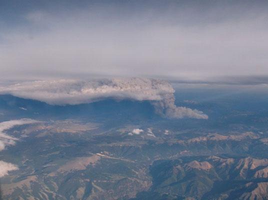Pyrocumulonimbus causada por incêndio florestal vista em West Fork, Colorado, EUA, em 21/06/2013. Foto de Luis Rosa.