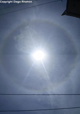 Cirrostratus fibratus e halo 22° vistos em João Pessoa, Paraíba, em 14/01/2010.