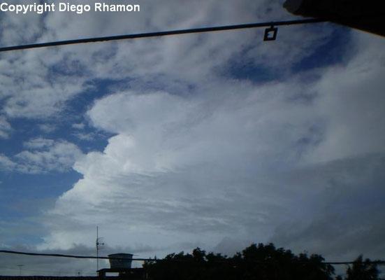 Cumulonimbus velum vista em João Pessoa, Paraíba, em 04/01/2011.