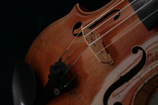 Die Violine des Konzertmeisters von unschätzbarem Wert.