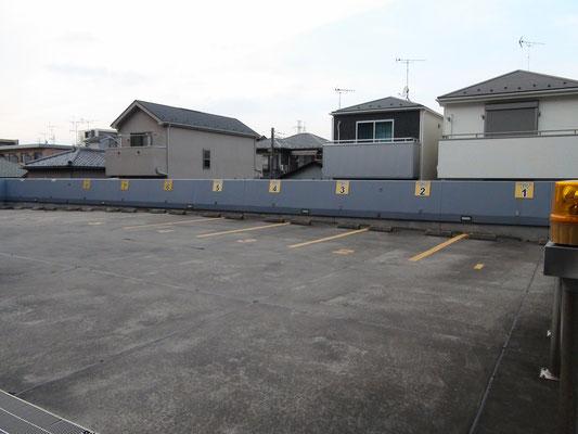 ③クリニック裏2階駐車場: 1-8番のみが患者さん用です.  新羽横浜yokohama港北都筑花粉症インフルエンザワクチン予防接種価格1000円赤ちゃん子供