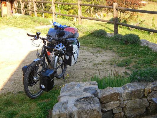 étape pour cyclo en partance pour compostelle