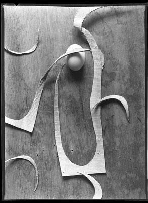 Ausgeschnittene Schuhsohle mit Ei, 1984