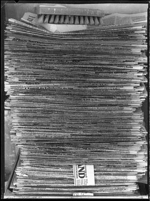 Zeitungsstapel, 1985