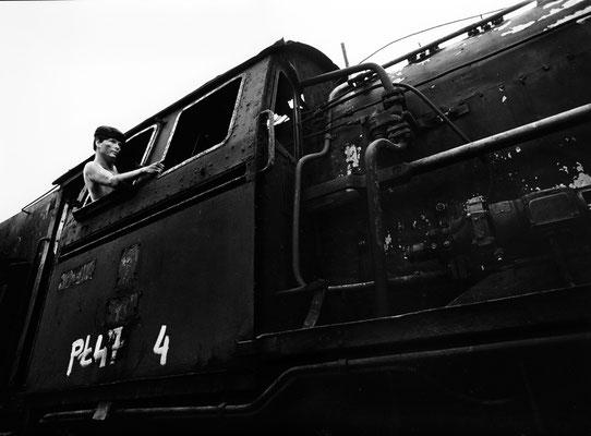 In wenigen Sekunden startet die Lok Pl 474... / In a few seconds the loco Pl 474 will start...