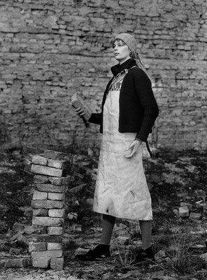 "Trümmerfrau Gertrud Herz / ""wreckage""- woman Gertrud Herz"