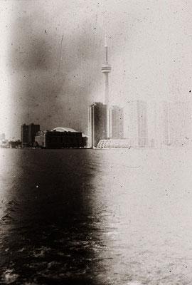 Toronto, U.S.A.. 28 hrs developing in Lake Ontario