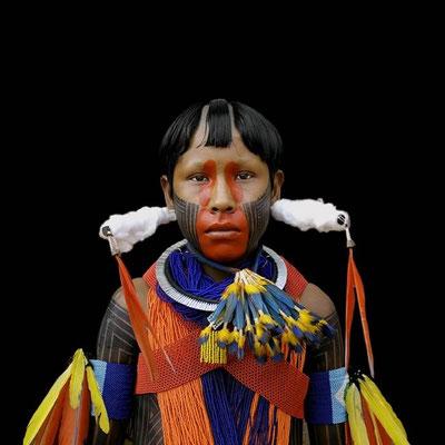 ANTONIO BRICEÑO: Arará V. Macaw. Kayapo culture, Brazil. 2006