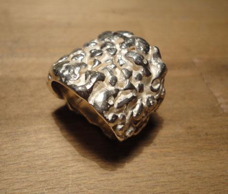 """Silberring """"gekräuselte See"""" (925 Sterlingsilber) Preis: CHF 300.-"""