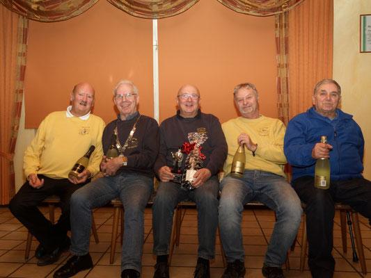 v.l.: 3. Eckard Husch, 4. Martin Pietrowski, Champagnerpokalsieger Dieter Bauer, 2. Jürn Weigt und 5. Erwin Münz