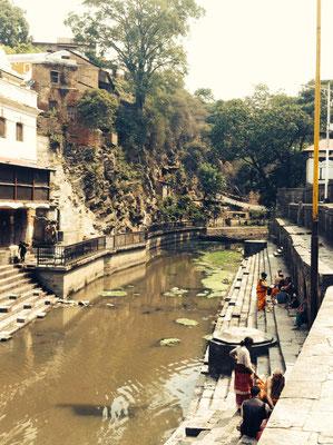 Der heilige Fluss Bagmati