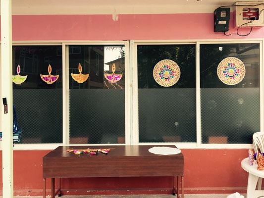 Hier entsteht ein Altar, der der Göttin Lakshmi gewidmet wird.