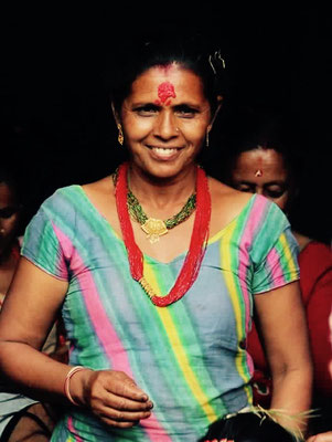 Raj Kumars Mutter, eine strahlende Schönheit.