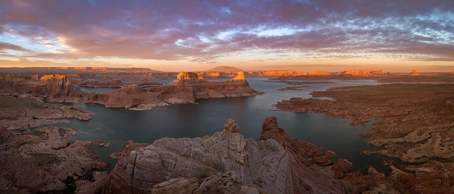 Le lac Powell sur le fleuve Colorado en Arizona et Utah
