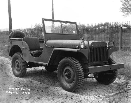 La Willys MB, plus connue sous son surnom de Jeep, fabriquée en 1941 jusqu'à l'année1945