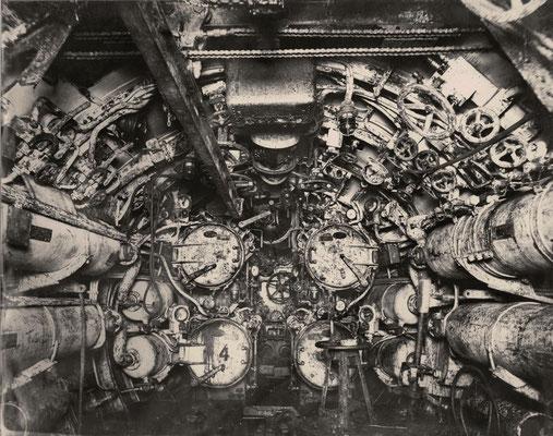 Salle des torpilles d'un sous-marin de 14-18