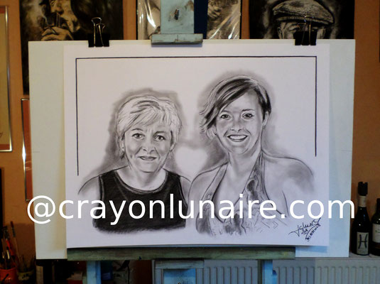 Portraits au fusain par crayon lunaire
