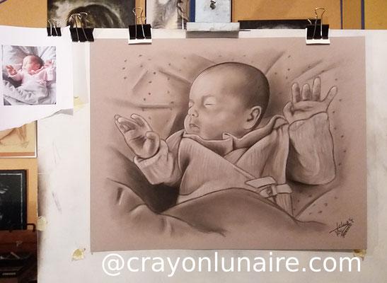 Portrait-au- fusain-bebe-sur-commande