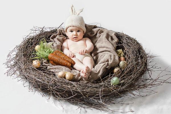 oster-nest, oster-strauch, oster-hase, oster-grüße, oster-fotos, frühlings-portrait, kinder-fotos, freising, fotograf, baby-foto