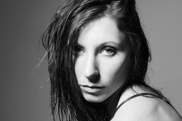 Portrait, Monochrom, schwarz-weiß, Frau, Headshot, sexy, Studiofotografie, Fotostudio, Freising