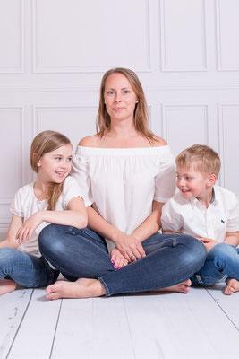 studio-shooting, foto-studio, mama-und-ich, mami-und-ich, muttertag, familienshooting, baby-fotograf, kinder-foto, freising