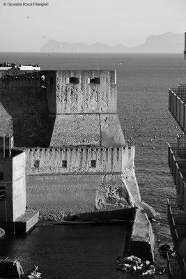 CASTEL DELL'OVO  vista dalle rampe Lamont Young