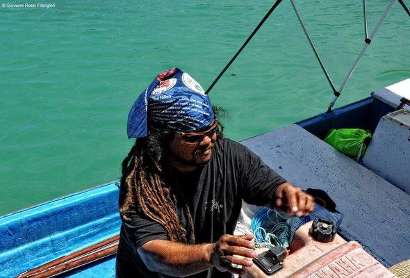 MICRONESIA pescatore subacqueo