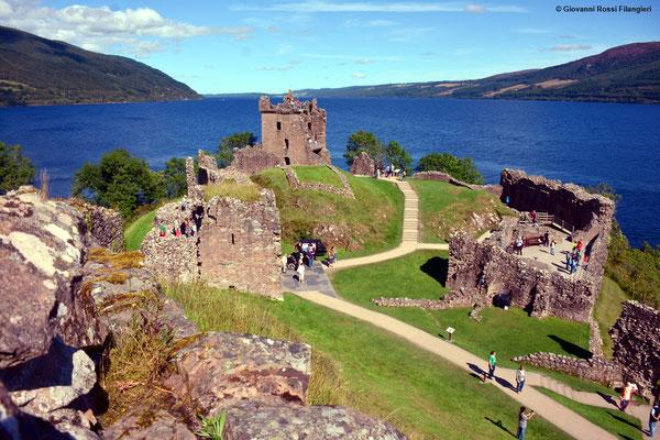 Rovine del Castello di Urquhart (Scozia)