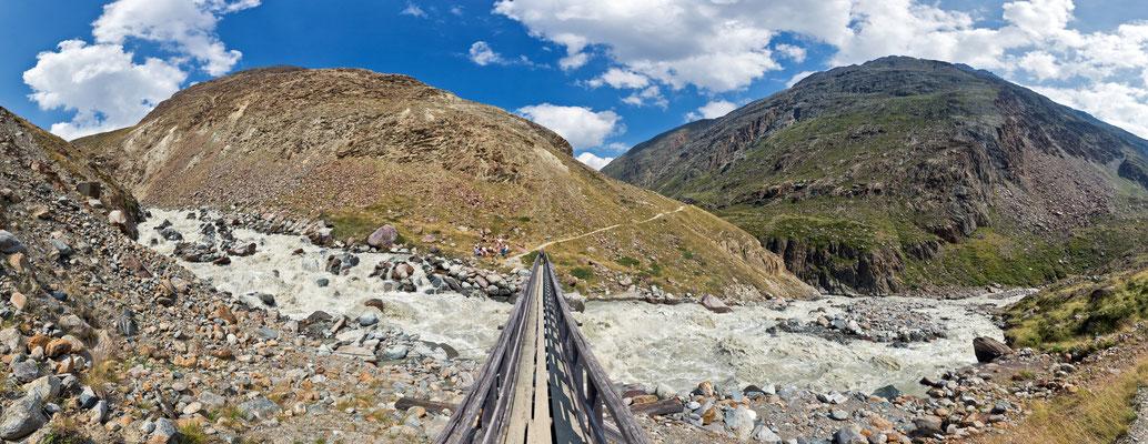 Gletscherfluss im Ötztal - Österreich