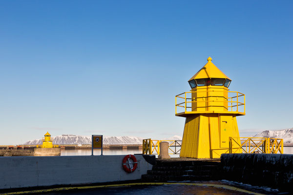 Leuchttürme am Eingang zum alten Hafen, Reykjavik- Island