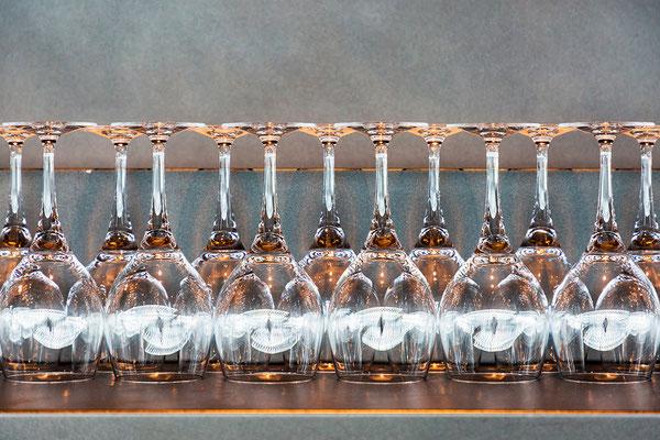 Glas in Reih und Glied
