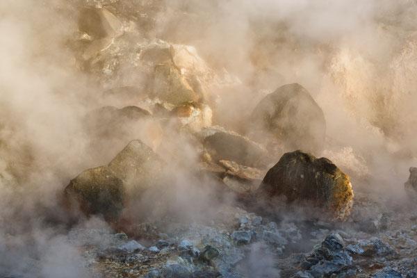Schwefel in der Luft vom Geothermalgebiet Krýsuvík