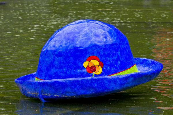 Hut in Blau