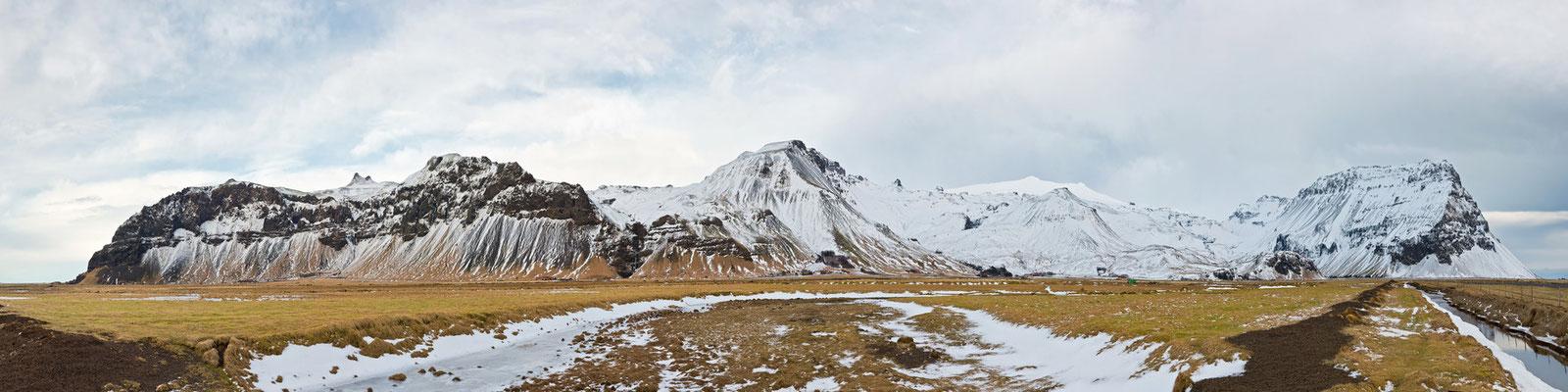 Bergkulisse - Island