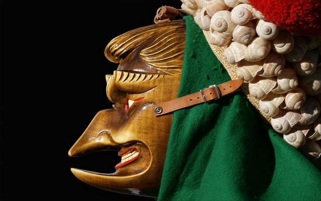 Schuttig Larve (Holzmaske)