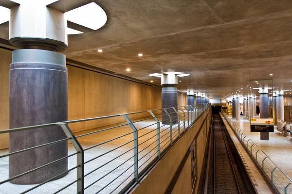U-Bahn am Reichstag