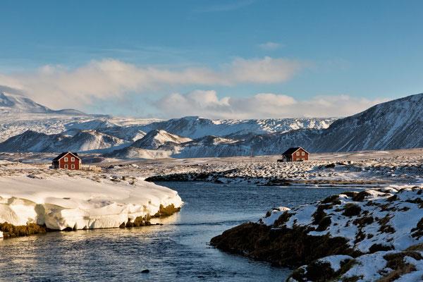 2 rote Häuser in Vatnagarður