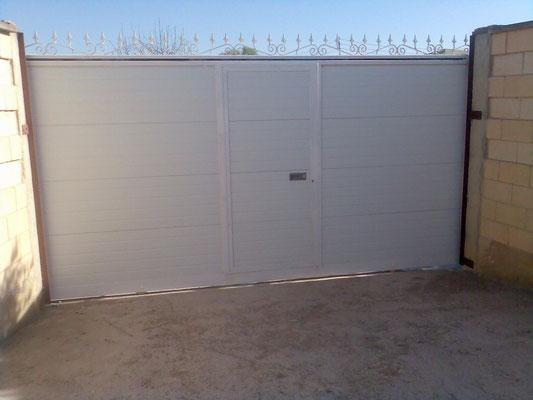 corredera de panel blanca